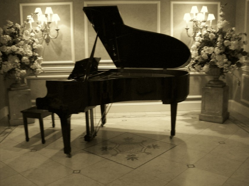 1361607184_grand_piano_by_wolfgirl17591