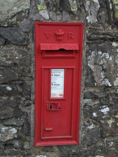 postbox-1290888_640