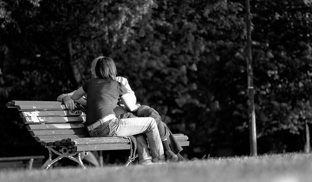 couple-264729_640
