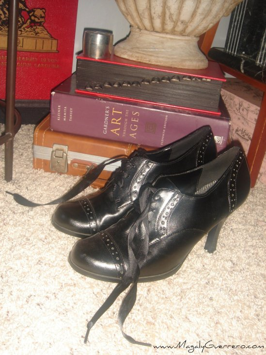 shoes-and-books-by-magaly-guerrero