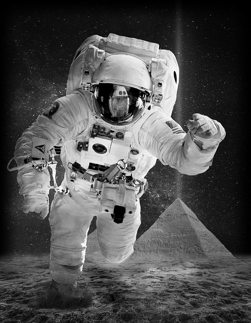 Man walks on the moon - 100 word story by Mike Jackson