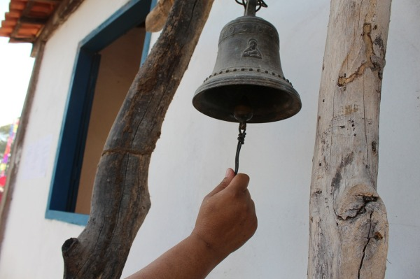 bell-453205_1280