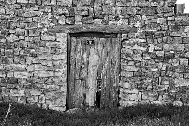 door-2304193_1920