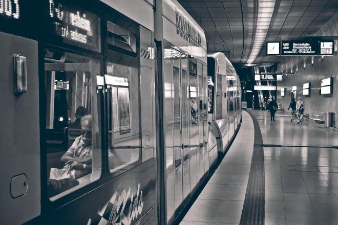 metro-3647293_1920